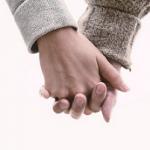 店舗型のお店でお客さんと対面してから部屋まで手をつなぐ意味